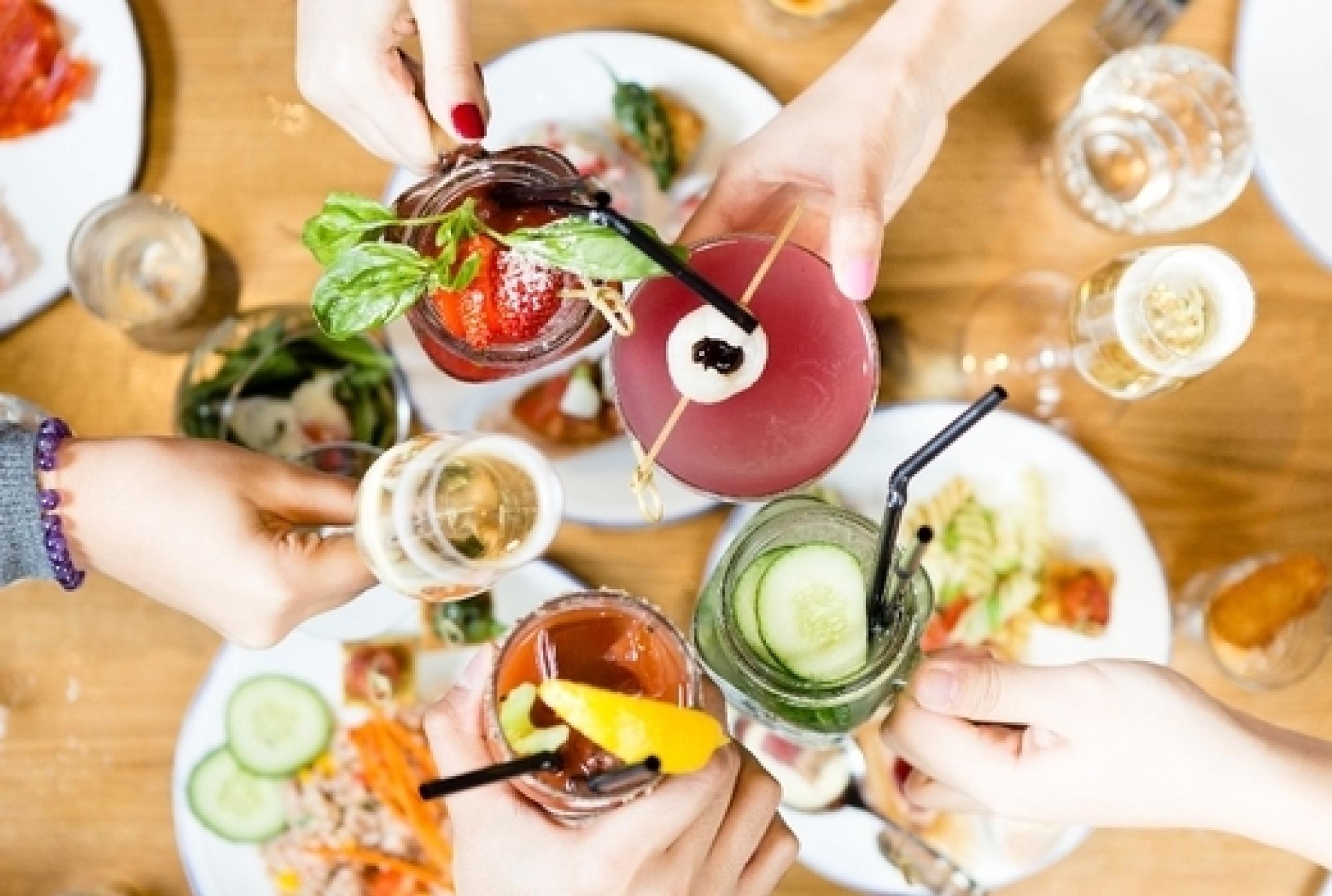 Brunch cocktails friends